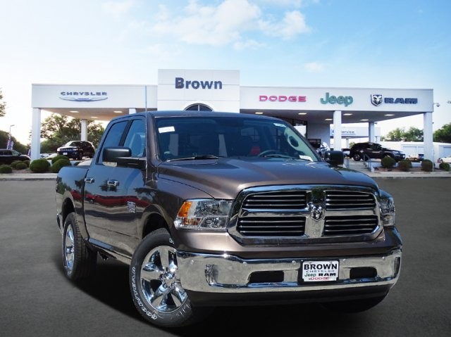 New 2018 RAM 1500 Lone Star 4x2 Crew Cab 5'7 Box