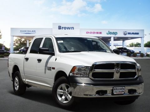 New 2018 RAM 1500 Tradesman 4x4 Crew Cab 5'7 Box