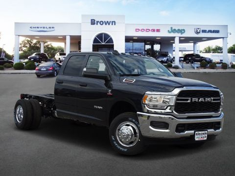 New 2019 RAM 3500 Chassis Cab Tradesman 4x4 Crew Cab