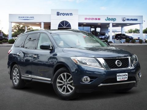 Pre-Owned 2016 Nissan Pathfinder SL With Navigation